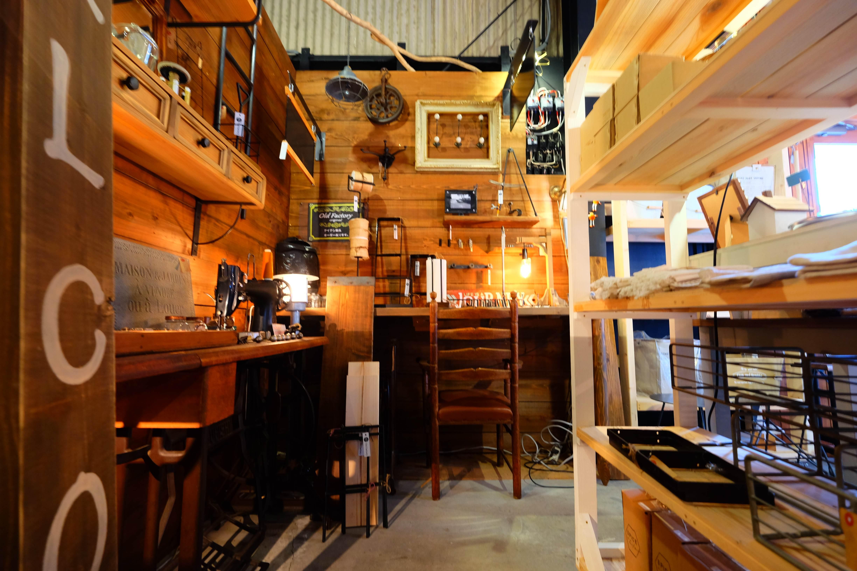 手作り家具、手作り雑貨の【Old Factory 】にお邪魔しました